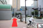 バス停が見えましたら<JR線・臨海線からのアクセス>と同じルートになります。