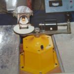 遠心分離器で溶かした地金を流し込む