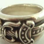 指輪の燻し加工